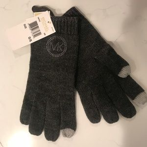 Michael Kors light weight gloves